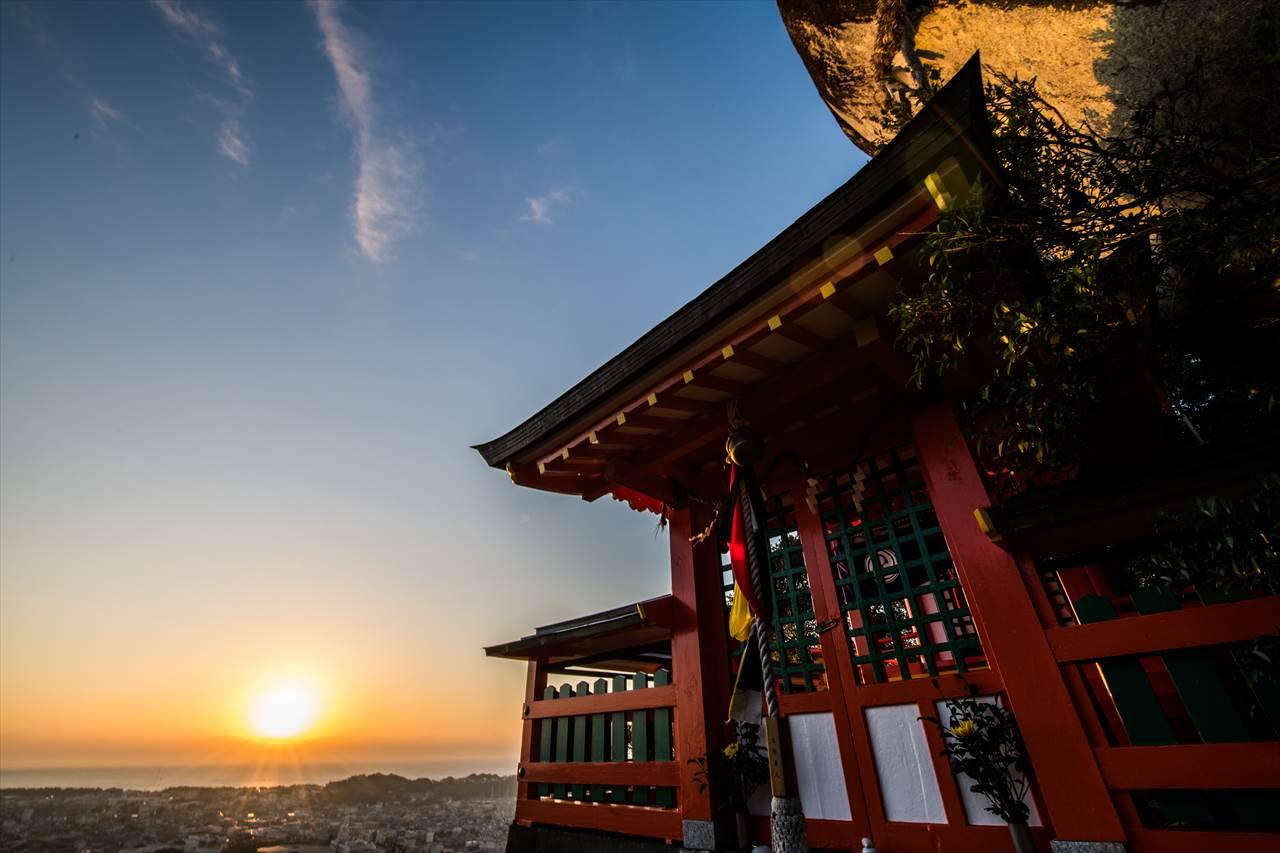 神倉神社の夜明け