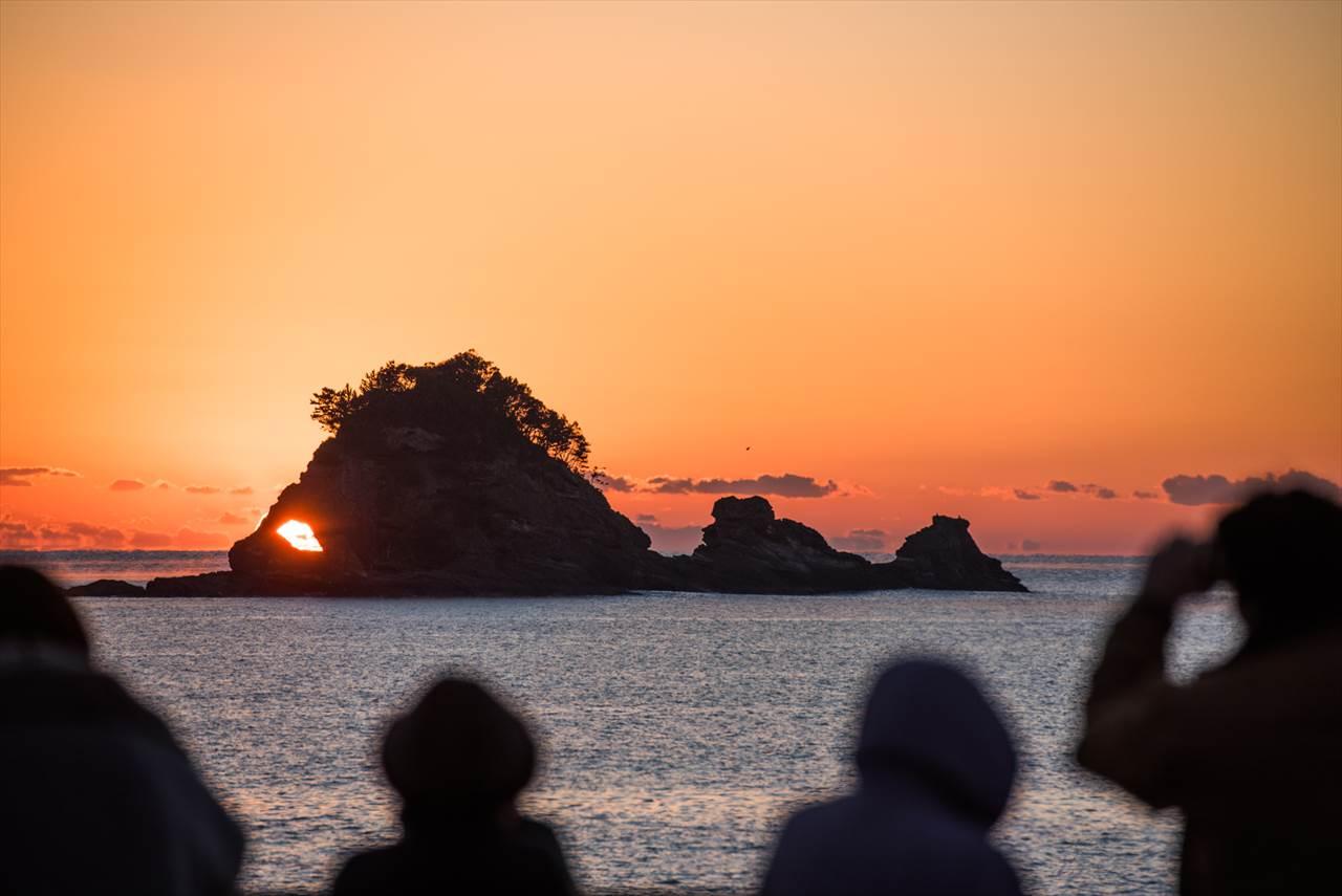鯛島の目に入る朝日