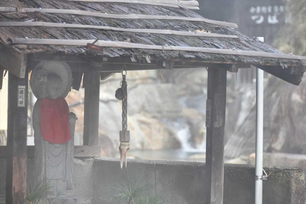 湯峯温泉の湯筒