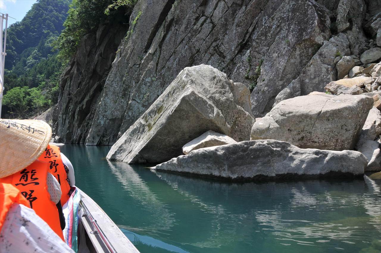 熊野川のなびき石